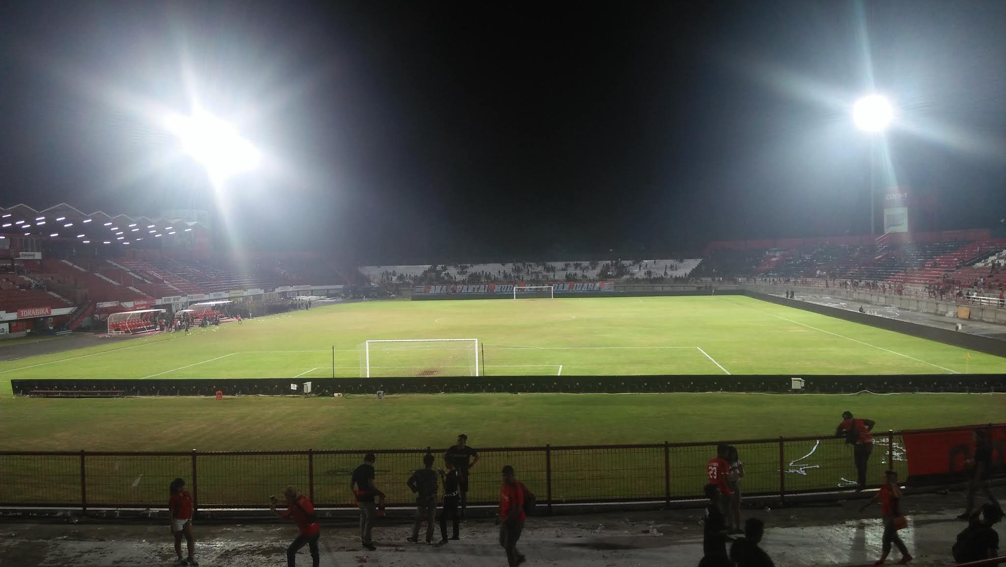 Lapangan Stadion I Wayan Dipta
