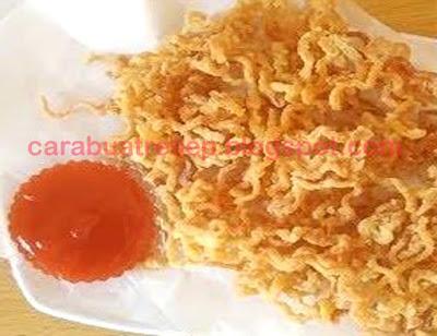 Foto Resep Indomie Goreng Telur Crispy Cemilan yang Renyah Sederhana Spesial Asli Enak