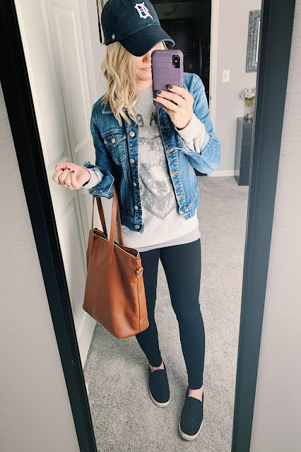 Comfy outfit with sweatshirt and denim jacket