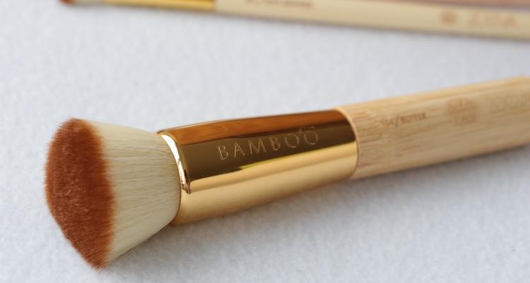 Zoeva 104 buffer brush bamboo