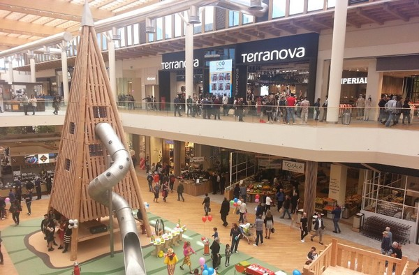 Milan biggest shopping mall centre, Il Centro Commerciale Arese, interior view