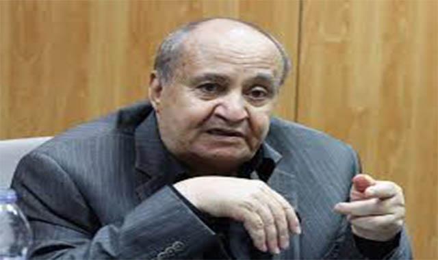 نقل الكاتب وحيد حامد والإعلامي وائل الإبرشي للعناية المركزة