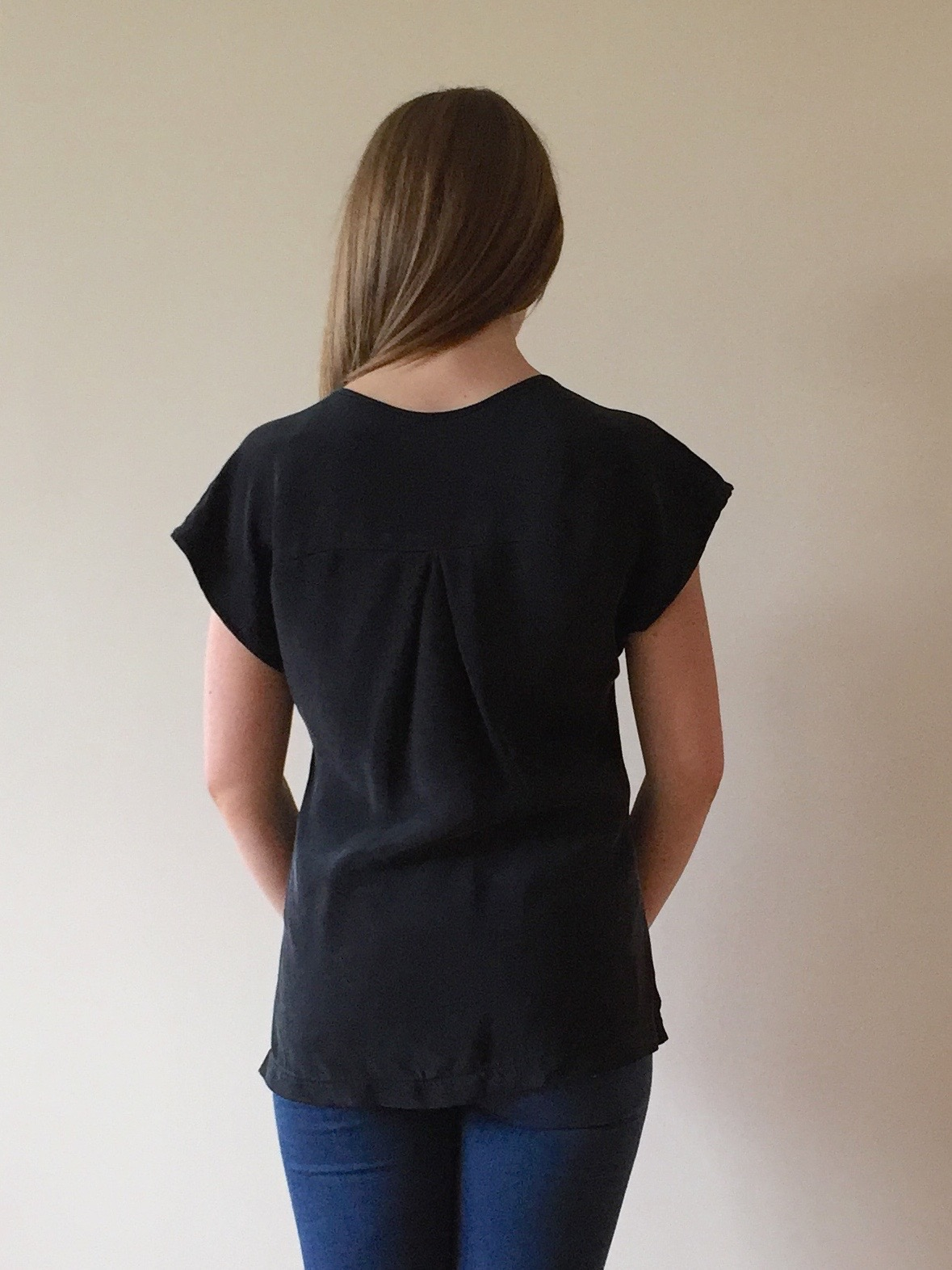 0e9c641f57f0a ... shoulder seam and how far the sleeve might stick out from the shoulder.  I also removed 1 2