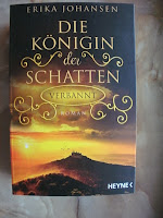 https://www.amazon.de/Die-K%C3%B6nigin-Schatten-Verbannt-Johansen/dp/345331588X/ref=sr_1_1?ie=UTF8&qid=1501473996&sr=8-1&keywords=die+k%C3%B6nigin+der+schatten+3