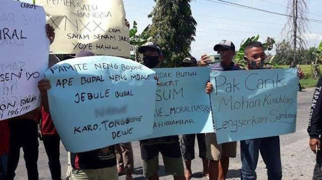 Demo Warga Bongkar Cinta Terlarang Perangkat Desa Ponorogo, Kekasih Gelap Hamil, Istri Minta Cerai