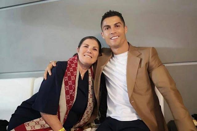 نقل والدة رونالدو إلى المستشفى بعد إصابتها بجلطة واللاعب يعلق