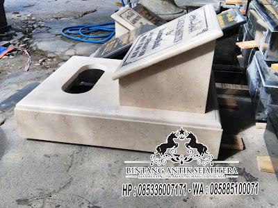 Batu Nisan Kotak, Contoh Batu Nisan dari Marmer, Nisan Marmer di Malang