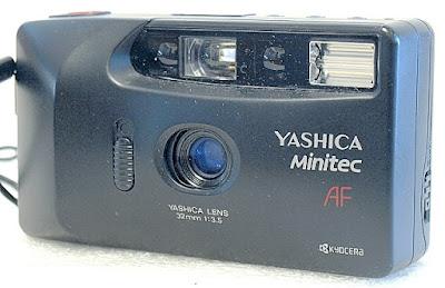 Yashica Minitec AF, View