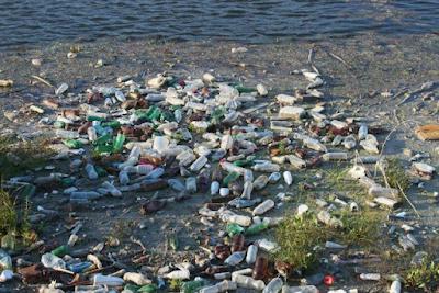 Gambar  Pencemaran pada Suatu Lingkungan