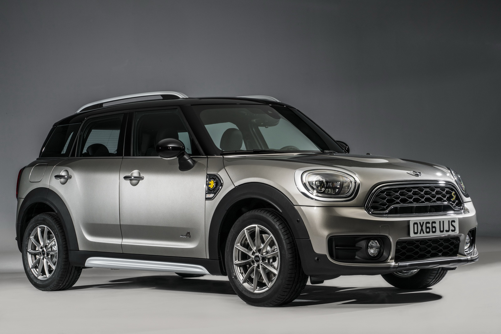 2017 mini countryman priced from 26 100 msrp carscoops. Black Bedroom Furniture Sets. Home Design Ideas