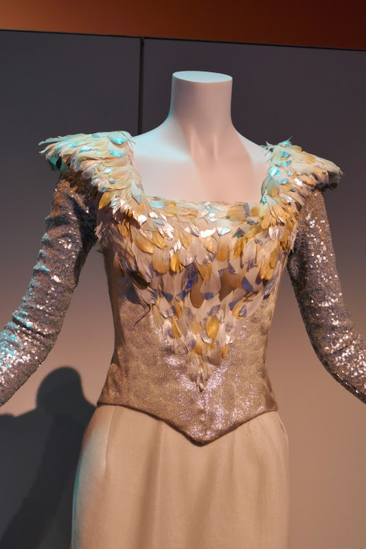 Oz Great and Powerful Glinda costume detail