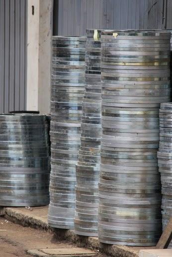http://pipapolyethylene.blogspot.com/2012/05/daftar-harga-pipa-hdpe.html