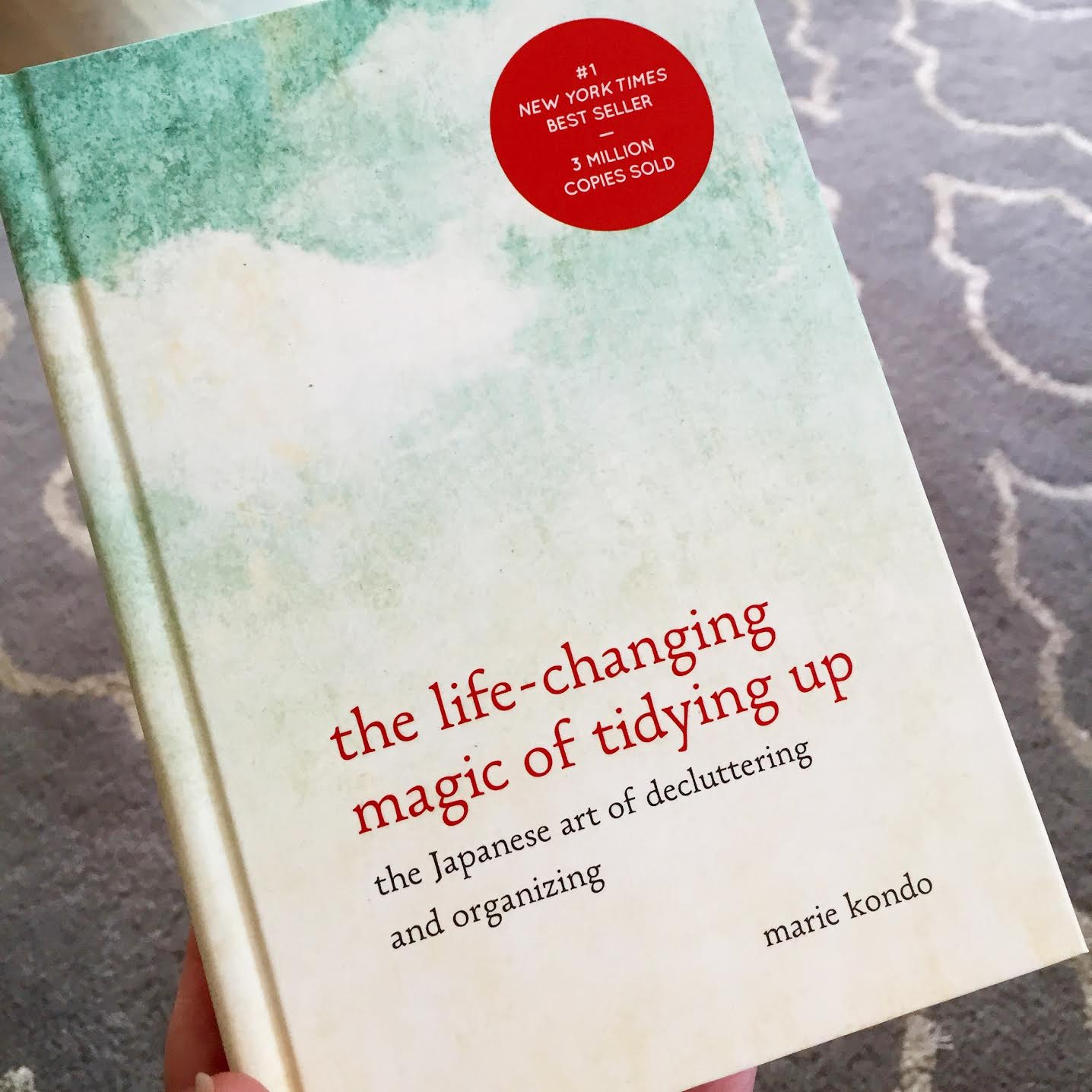 Konmari decluttering method book