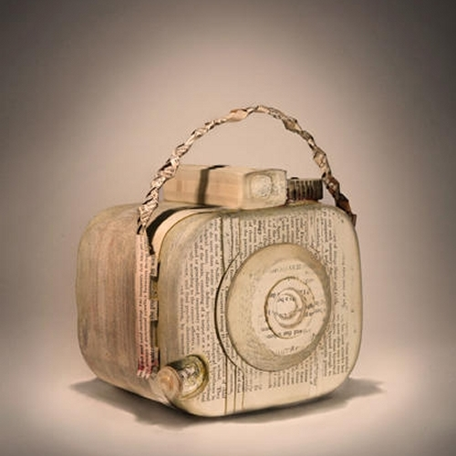 08-Brownie-Ching-Ching-Cheng-Vintage-Camera-Sculptures-Made-of-Books-and-Maps-www-designstack-co