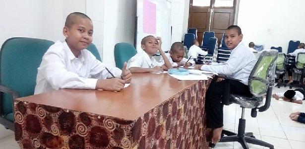 Tulislah tanpa berpikir macam-macam, Easy Writing, Menulis itu mudah, Bang Syaiha, http://www.bangsyaiha.com/