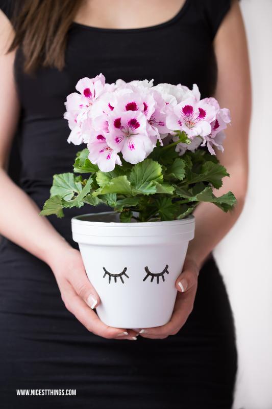 Blumentopf DIY Schlafaugen