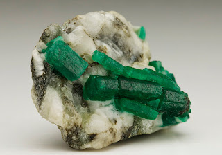 emerald from Goiás, Brazil