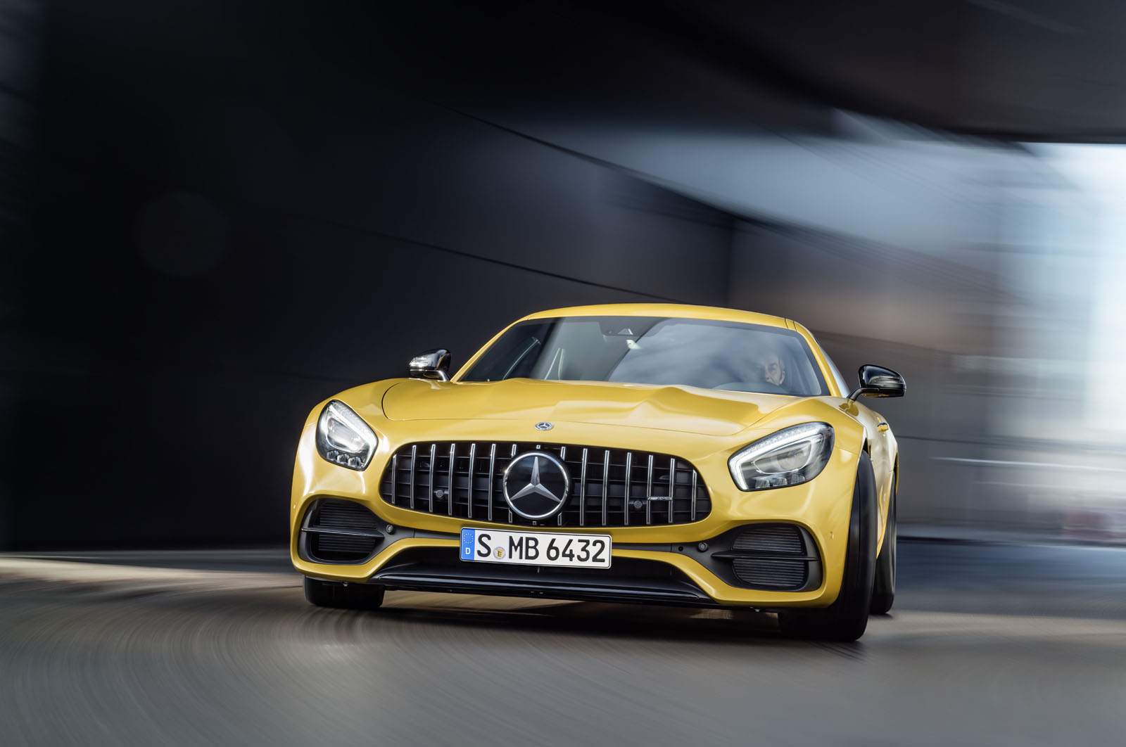 2014 - [Mercedes-AMG] GT [C190] - Page 29 16C1133_19