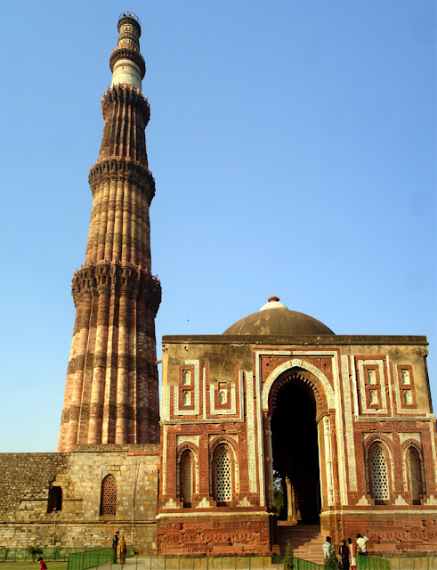 14 Insanely Photogenic Historical Places in North India, qutub minar