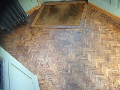 Parquet flooring in the hallway