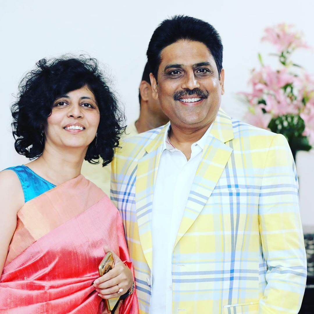 shailesh lodha with his wife