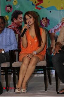 Actress Saloni Aswani Pos in Short Dress at Meelo Evaru Koteeswarudu Movie Interview  0267.JPG
