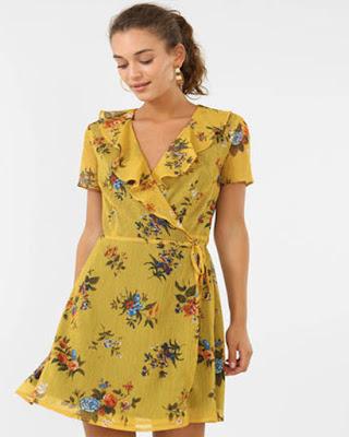 vestido con flores de fiesta corto elegante de verano