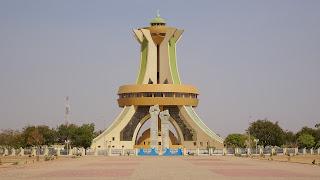 Burkina Faso adores Muammar Kaddafi
