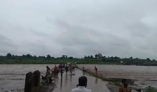 जिले में 2 दिनों से लगातार बारिश होने से ताप्ती नदी उफान पर