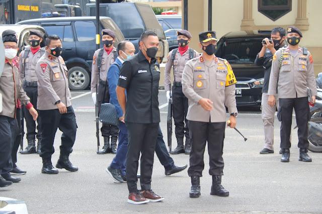 Tiba di Polda Jambi, Rombongan Komisi III Disambut Pasukan Jarmat