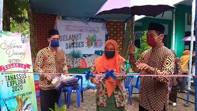 MI Takhassus Prapagkidul Berdayakan Usaha Milik Wali Siswa Dengan Gelar Bazar dan Pameran Eksplora 2020