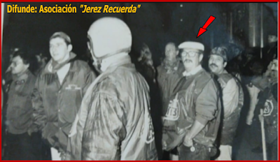 Pablo De Moor con sus compañeros del PTB en una de sus innumerables luchas.