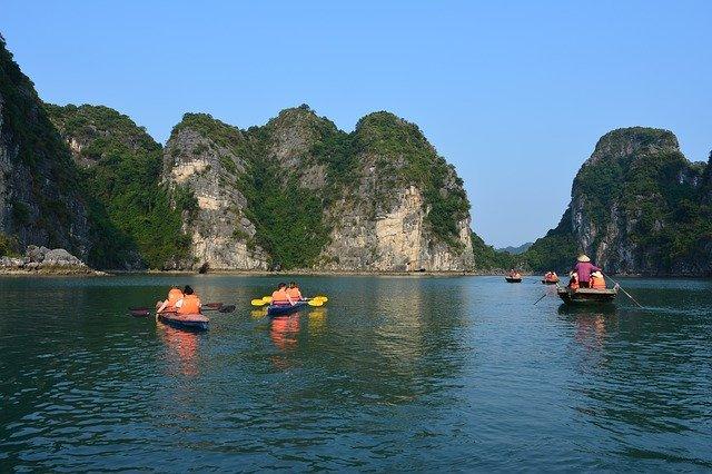 Kayak, Bai Tu Long Bay, Kayak in Bai Tu Long Bay,Kayak Halong bay, Bai Tu Long Bay Halong Bay,