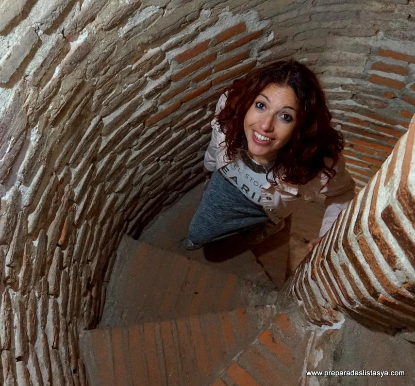 Escalera de caracol, Castillo de Coca