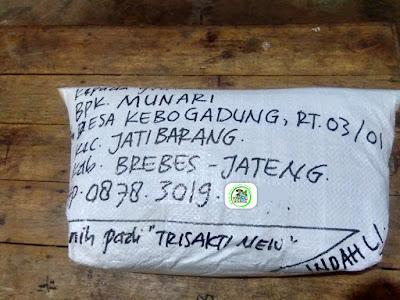 Benih padi yang dibeli   MUNARI Brebes, Jateng.  (Setelah packing karung).