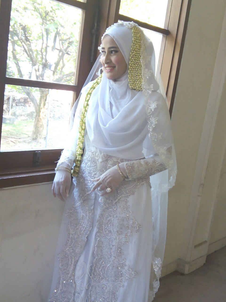 Sewa Gaun Pengantin Bandung  9: Sewa Gaun Pengantin