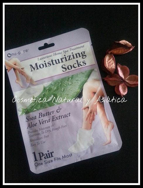 united-exchange-nu-pore-moisturizing-socks-shea-butter-and-aloe-vera-extract