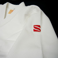 https://www.kusakurashop.fr/collections/judogi-kusakura-deluxe-blanc-sensei-joa