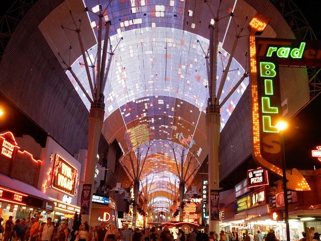 Fremont Street, Las Vegas, Road trip, California, Arizona, US, Elisa N, Blog de Viajes