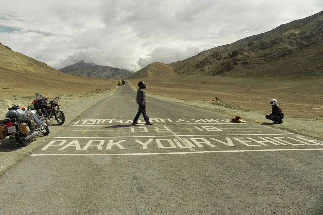 Magnetic Hill in Ladakh – Gravity defying Phenomena