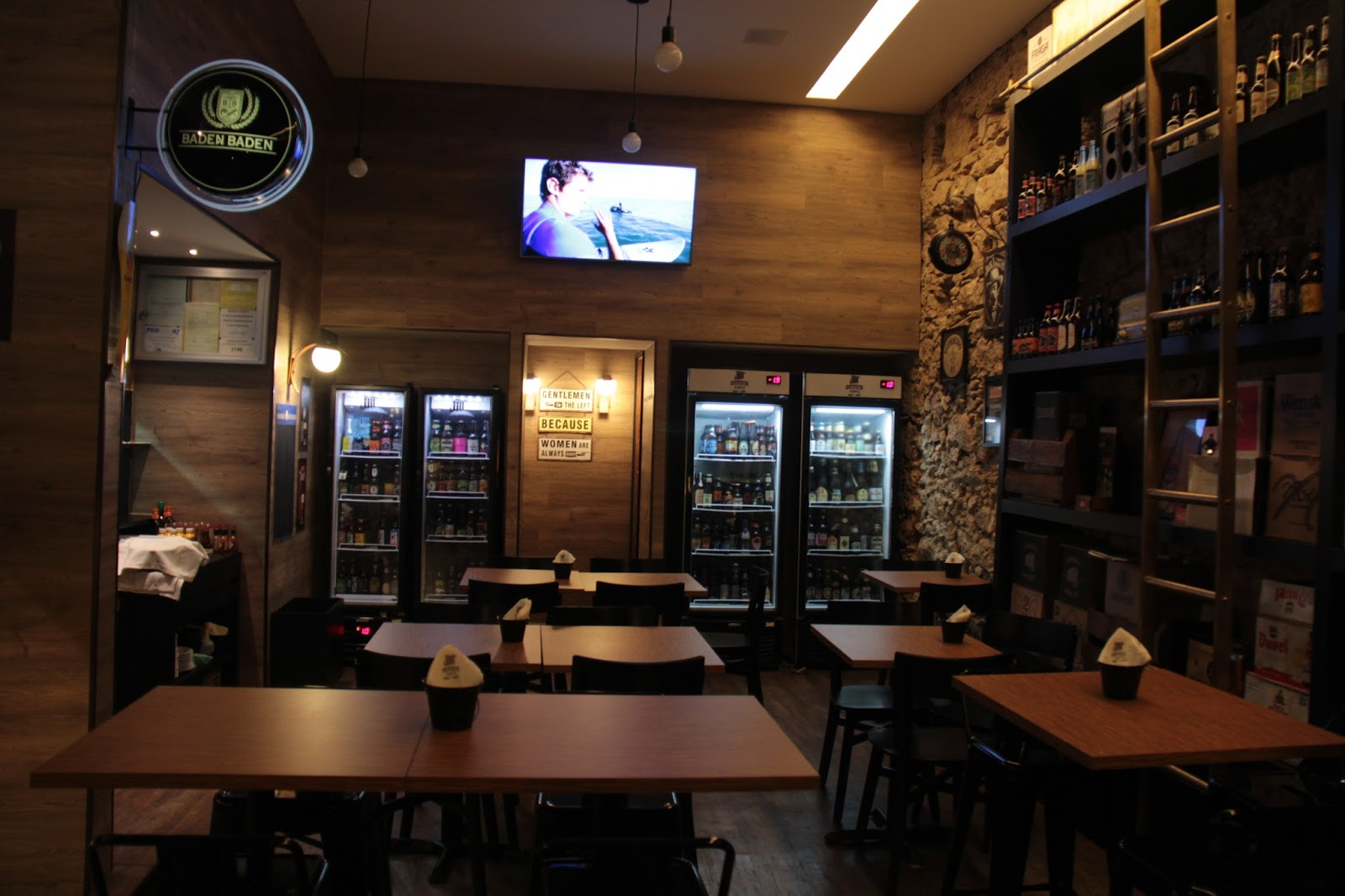 Blog Apaixonados por Viagens: Dica de Restaurante no Rio de Janeiro  #AF7D1C 1600x1066 Banheiro Adaptado Deficiente Fisico