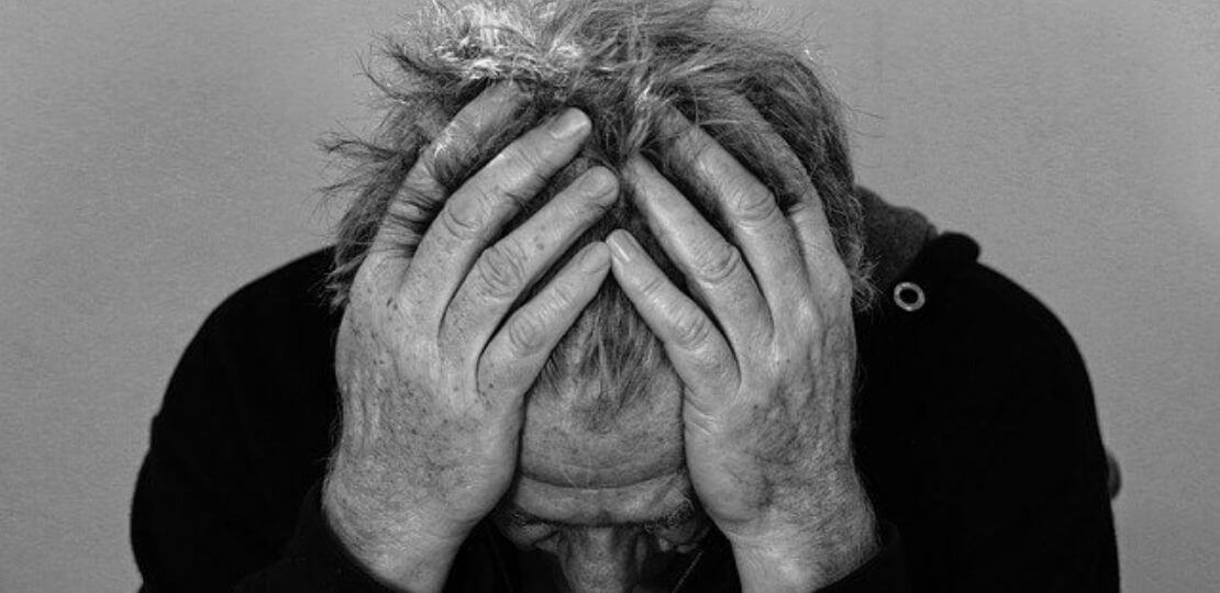 الإكتئاب و الملل : هل يمكن أن يؤدي أحدهم  إلى الآخر  ؟