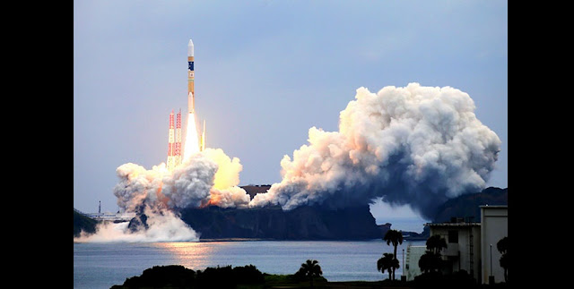 H-2A rocket No. 34 carrying the Quasi-Zenith Satellite Michibiki No. 2 lifts off on June 1 at the Tanegashima Space Center in Minami-Tanegashima, Kagoshima Prefecture. (Jun Kaneko)