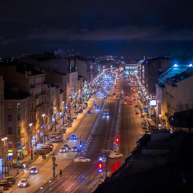 Этажи лофт крыша ночь вид на город дороги улицы