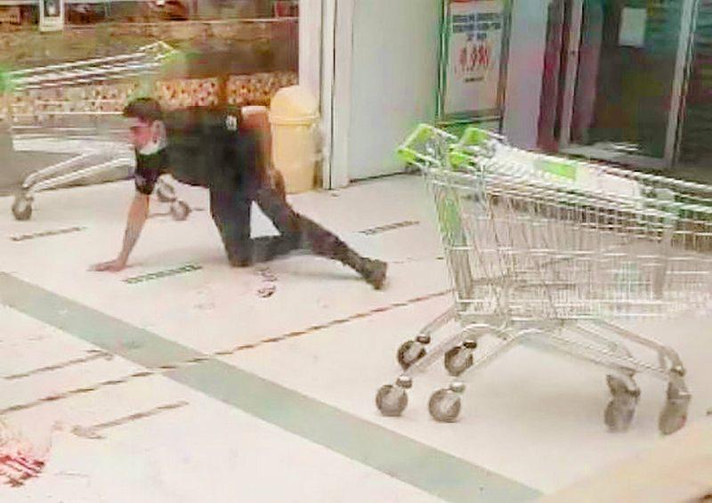 El terrible caso del adolescente que entró a robar a un supermercado