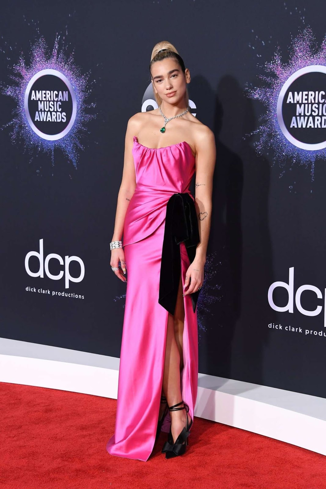 Dua Lipa – 2019 American Music Awards in Los Angeles