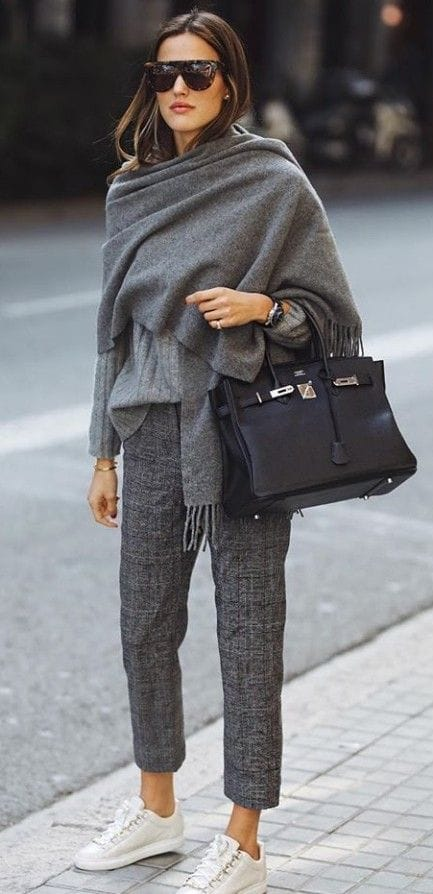 comfy fall outfit for work / scarf + sweater + bag + pants + sneakers