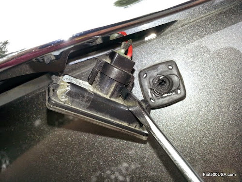 fiat 500 license plate light connector
