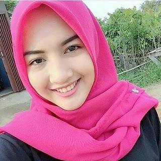 Wanita Berhijab Wanita Berjilbab Wanita Cantik Hijab Hijab Mempesona Jilbab Anggun Hijab Anggun Subhanallah Cantiknya Wanita Berjilbab Wanita