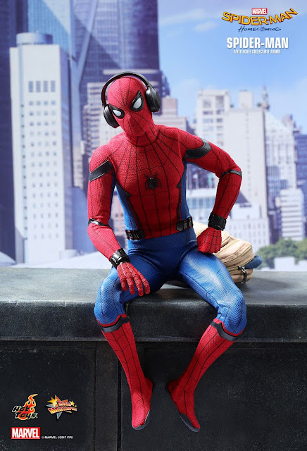 osw.zone Hot Toys MMS425 Spider-Man: Homecoming 1 / 6th Tom Holland as Spider-Man Actionfigur